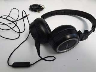 AKG K451 heaphones