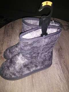 Size 8 slipper boots