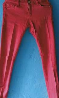 Celana zara warna merah