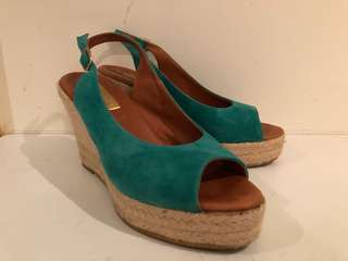🚚 Madeline K 草編楔型鞋