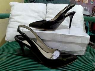 Coupbelle Black Stiletto