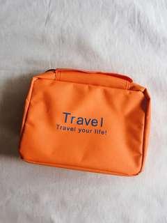 Travel organizer for toiletries