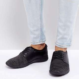 New Look Runner Trainers With Knitted Detail In Black