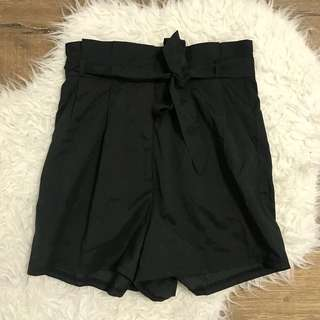Seven rain drops black bow cami high waisted shorts size xs 6