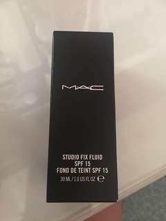 MAC studio fix foundation NC25