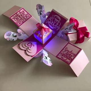 Pony explosion box with lighthouse and 8 personalised photos in pink
