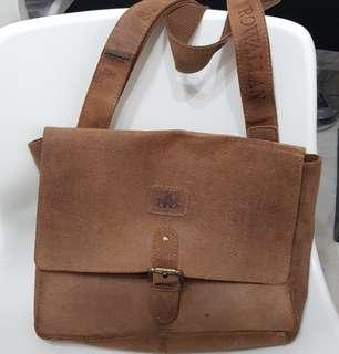 Oxford vintage leather sling bag