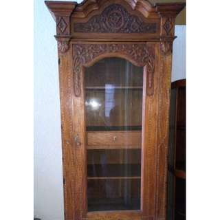 Antique wood and glass cabinet with carvings#6