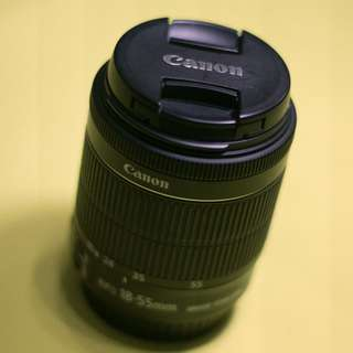 Canon EF-S 18–55mm lens f/3.5–5.6