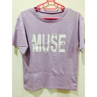 🚚 全新* 超美紫色MUSE文字花花釘珠短袖上衣 T恤 短T