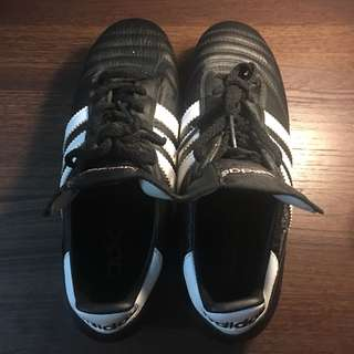 Selling this Football shoes only used thrice (can be used by women, too)