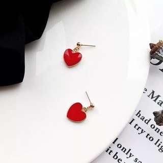 🚚 韓 輕巧 可愛 愛心 造型 垂墜式 耳針 耳環(可改耳夾)