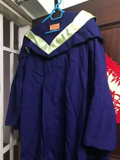 NUS bachelor's gown