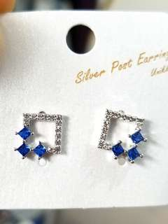 韓國 藍白閃石耳環 銀針 (清貨)