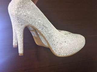 Keeley Ann 白底銀亮片跟鞋 婚禮鞋 婚紗鞋 新娘鞋 鑽石光 高跟鞋