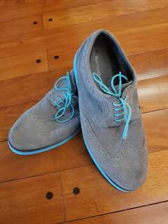 AUTHENTIC Perry Ellis - size 10 not Cole Haan
