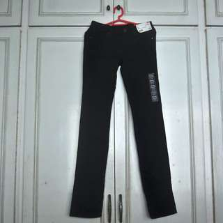 Uniqlo Black Skinny Fit Straight Jeans