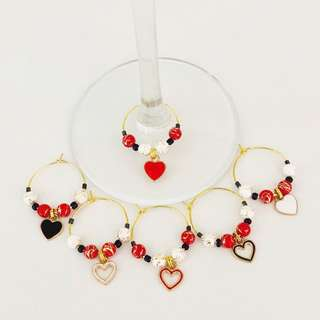 🚚 Heart theme wine charms (set of 6)