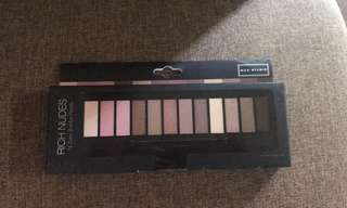 Max Studio 12 color eyeshadow palette