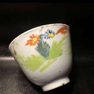 聽雨樓:#MFC-0112:【民國】民國粉彩花卉茶杯一隻