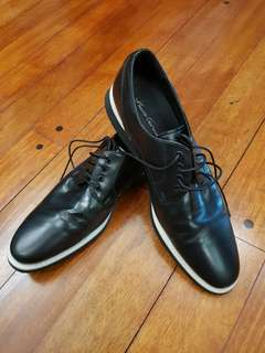 AUTHENTIC Kenneth Cole Black formal shoes - size10.5M not cole haan