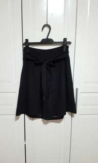 Black Square Palda Shorts