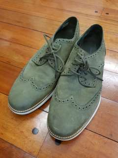 AUTHENTIC Kenneth Cole - size10.5M not Cole Haan