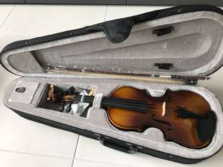Kids Violin (1/4) Used twice condition 9/10