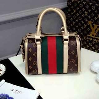 💋P530 💗New arrival  💎LV fashion sling  bag /with Key 💎Good quality *l.m