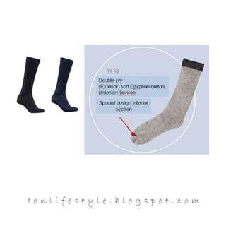 [CLEAR STOCK!] #TL52 Long Socks (One pair per pack)
