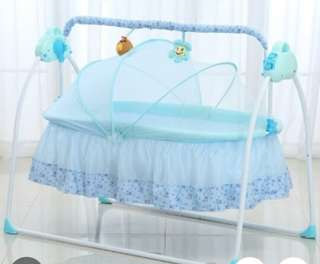 Electric Baby Bassinet Cradle Swing Rocking Music Remoter Control Sleeping Basket Bed Crib