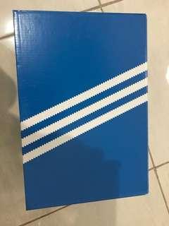 Box adidas original