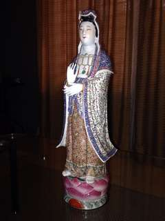 Patung Porselen Dewi Kwan Im sdh ratusan tahun buatan zaman Ming