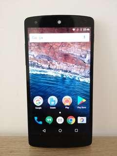 Google Nexus 5 16G White 其他功能正常,除電量一直顯示為零