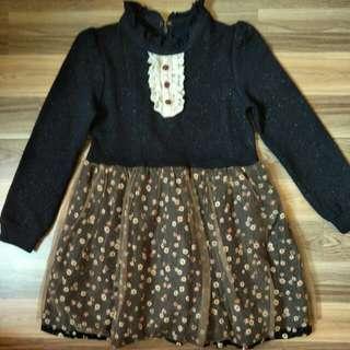 Korean dress ada size 6 tahun dan 8 tahun
