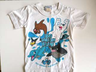 PRELOVED SEA WORLD So Much Fun Cartoon Animals White T-shirt - in average condition with tiny flaws