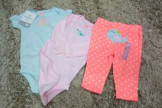 Carter's 3-pc Set for Girls size 6months (2pcs Onesie & Leggings