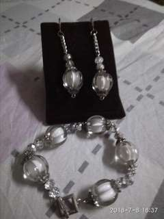 Crystal beads with white inner design set of bracelet and earings