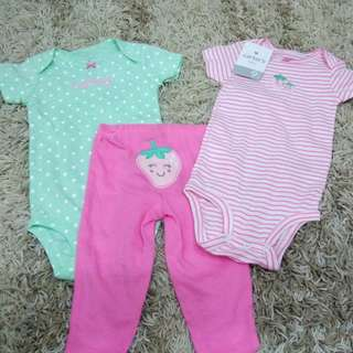 Carter's 3-pc Set for Girls size 9mos (2pcs Onesie & Leggings)