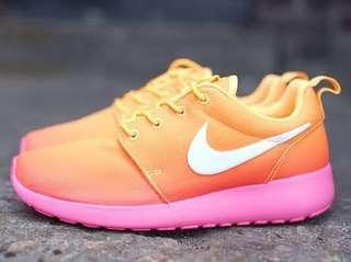 🎉FREE SF🎉 Nike Roshe Run