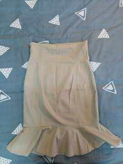 Beige high waisted fitted frill mermaid skirt UK6 toght