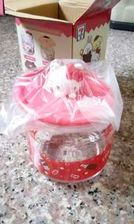Hello Kitty glass container (7-11)