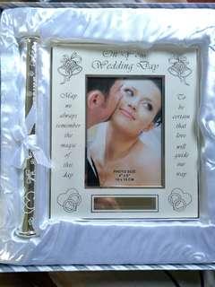 Wedding gift - Precious Moment Photo Frame and Wedding Cert Holder