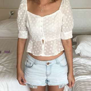 Crop puffy white top