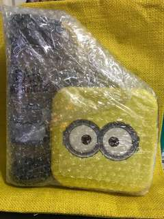 Minions water bottle and lunch box set