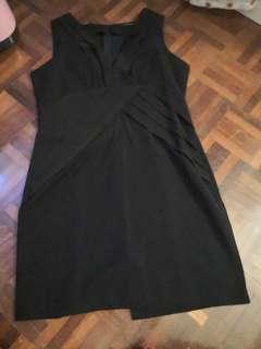 Preloved: Nichii V neck sleeveless dress