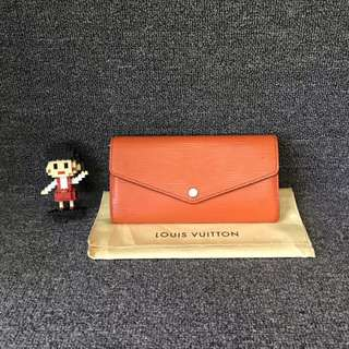 💯% authentic LV Sarah Wallet