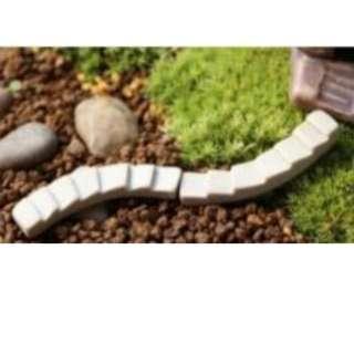 🚚 [Instock] Terrarium figurine little steps
