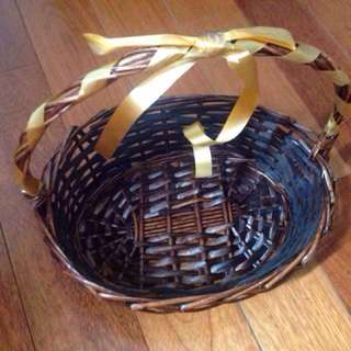 Bamboo baskets. (6)
