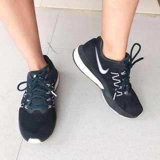 Nike Running Shoes Neutral Ride Black Sepatu Sekolah Olahraga Hitam